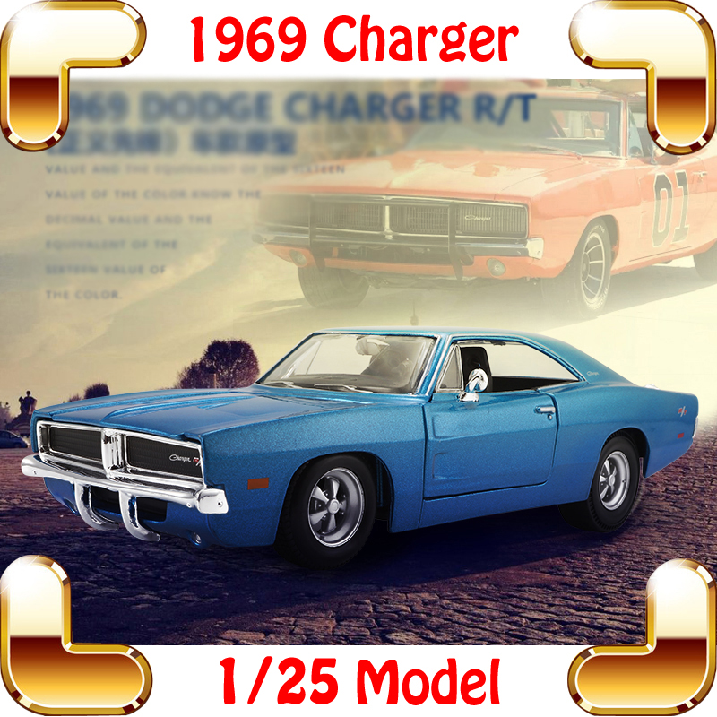New Year Gift 1969 Charger R/T 1/25 Model Metal Car Collection Toys Children Boys Favour Fun Game Vehicle Alloy Cars Present maisto jeep wrangler rubicon fire engine 1 18 scale alloy model metal diecast car toys high quality collection kids toys gift