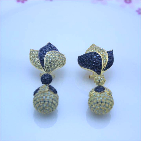 Orecchini Qi Xuan Fashion Jewelry luxury Flower Brand Party Earrings S925 Solid Luxury Woman Earrings Factory прямые продажи