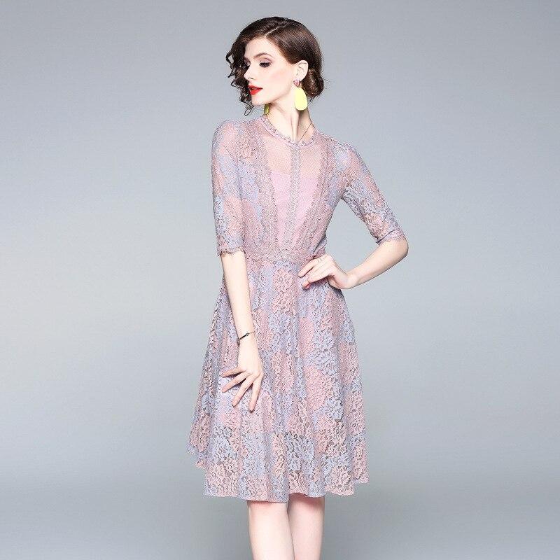 Été 2019 nouvelle dentelle Double couleur dentelle Sexy maille mi-longue robes en forme de A de femmes célèbres européennes et américaines robe
