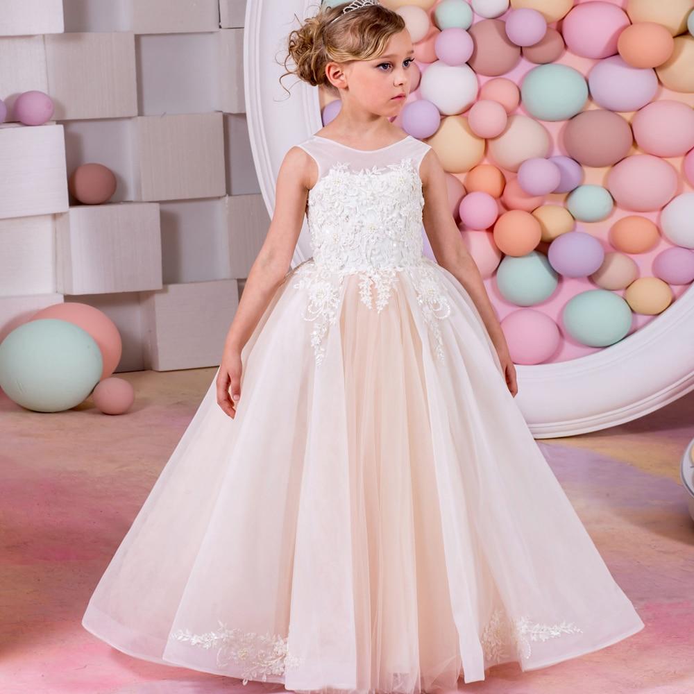 2017 nouvelles robes de reconstitution historique pour les petites filles Champagne o-cou sans manches robe de bal Appliques formelles robes de demoiselle d'honneur robes