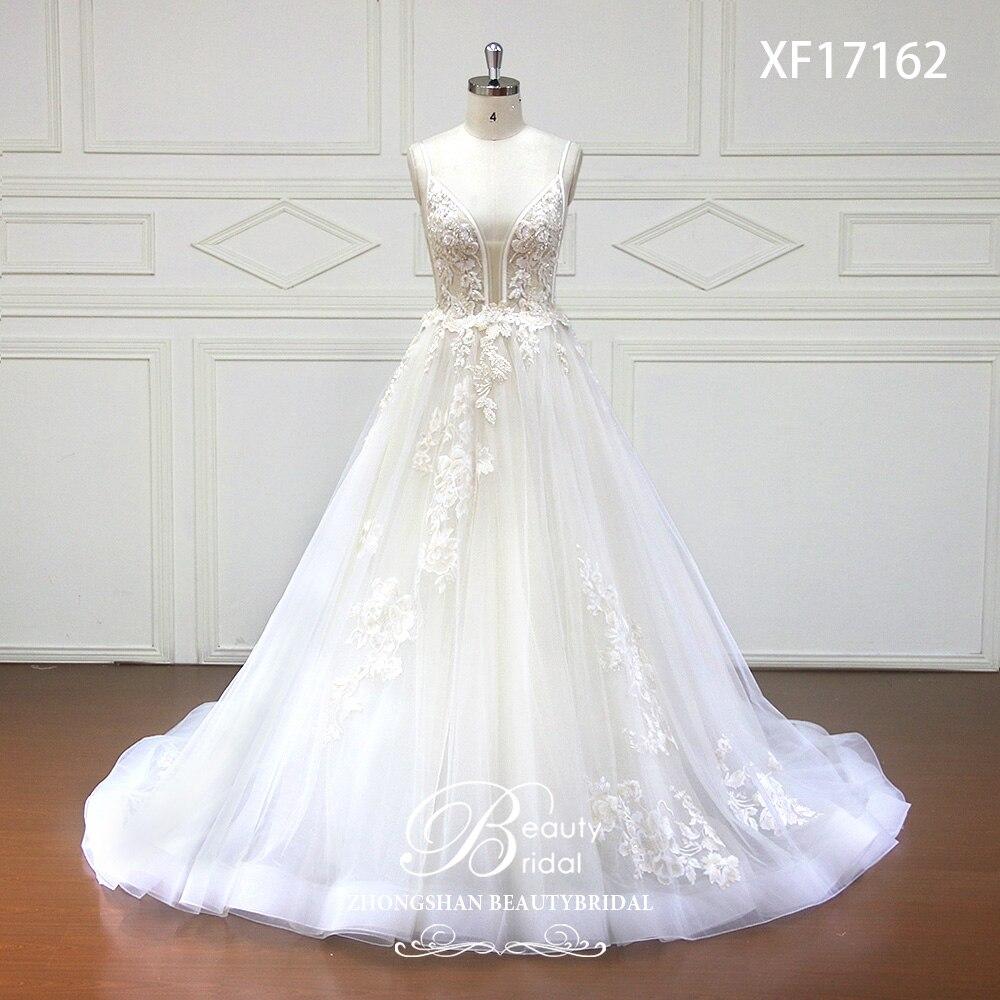 Livraison gratuite Robes De Mariée 2018 V-cou Tribunal Train Dentelle Applique Cristal Perles Robe De Mariée Robes Robes De Novia XF17162