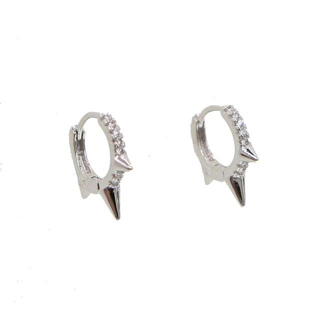 Женские круглые серьги в стиле панк с тремя мини шипами кольца