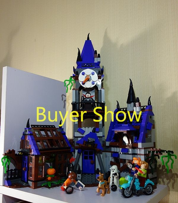 Scooby Doo Mystery Castle Courtyard Building Blocks Compatible with Lego Series Best Toy Gift For Children new scooby doo mystery castle courtyard mansion fit legoings scooby doo figures model building blocks bircks 75904 kid toy gift