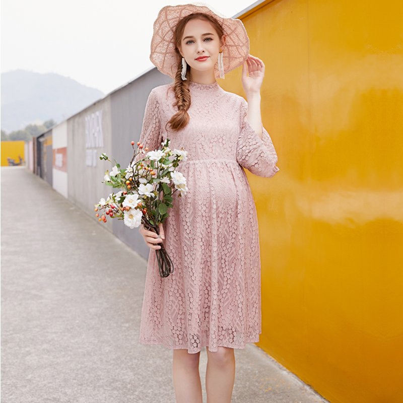 цены American New 2018 Summer Maternity Loose Flare Sleeve Hollow Out Lace Dress Pregnant Women Casual Middle Long Dress Clothing Hot