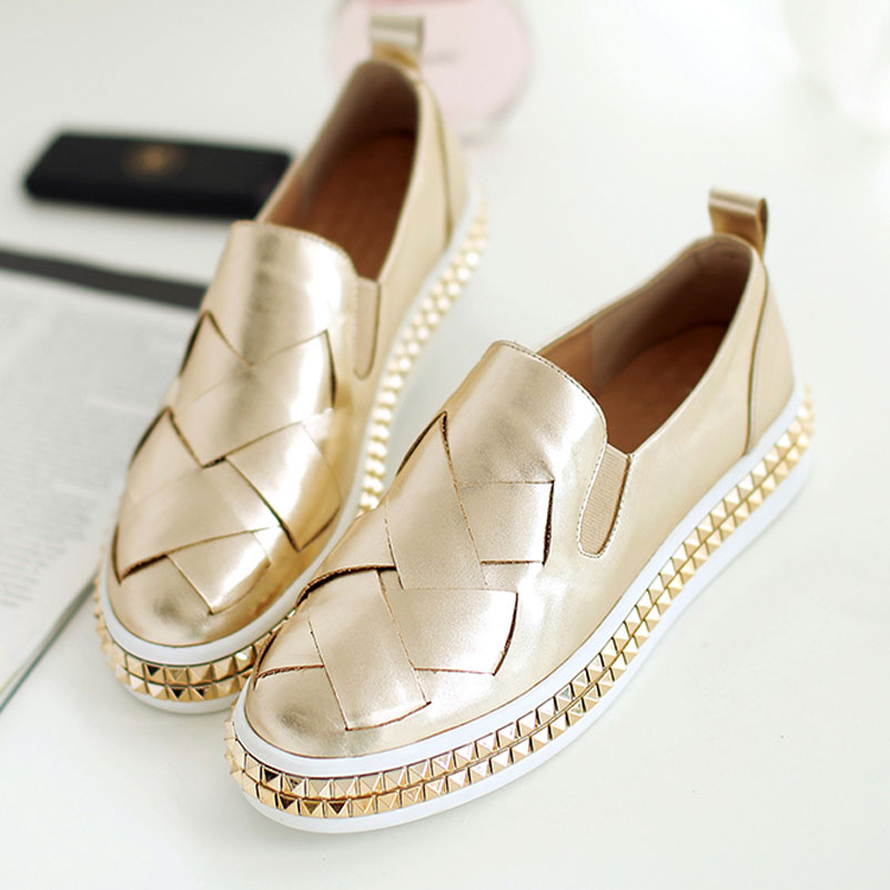 ФОТО 2017 New Rushed Pu Solid Round Toe Creepers Shoes Slip On Loafers Flats Genuine Footwear Ladies Spring Autumn Flat Woman Female