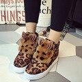 Mulheres moda Botas de Inverno Coelho da Pele do Leopardo Mulheres Apartamentos Sapatos de Leopardo Casuais Senhoras Sapatos Botas de Inverno