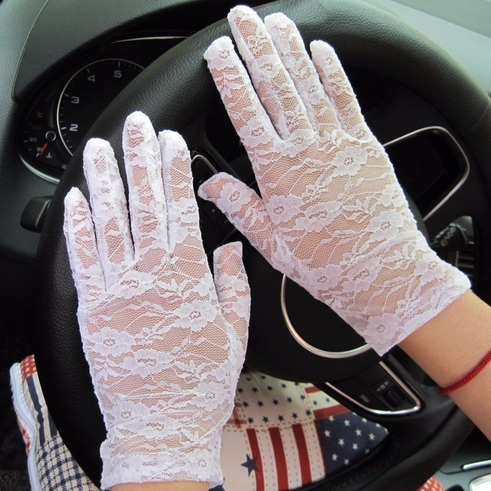 2018 Fashion Women Vintage  Goth Party Sun Protection Hollow-Out  Sexy Dressy   Mittens Fingerless Lace Gloves