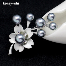 Matte silver Simulated-pearl Rhinestone Cold plum brooch Fine Jewelry wedding dress brooches for women artificial-flowers-cheap