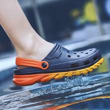 Crocse Comfortable Men Pool Sandals Summer Outdoor Beach Shoes men Slip On Garden Clogs Casual Water