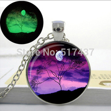 Necklace Of Pendant Glowing