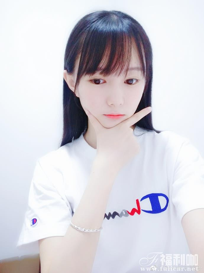 【妹子图】今日妹子–@SNH48-邵雪聪-