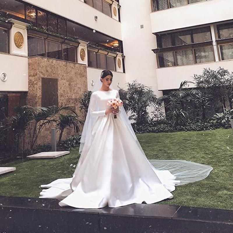 2019 Simple Graceful White Satin Muslim Wedding Dresses O Neck