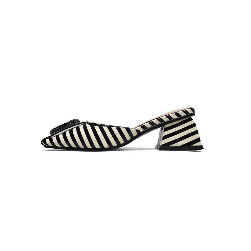ZVQ vrouwen slippers nieuwe lakleer vierkante teen med vierkante hak zomer zwarte en witte strepen lady mules nieuwe casual datum schoenen