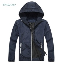 Tonlinker 2018 New Hooded Fashion Jacket Spring Autumn Bomber Reflective Casual Men Waterproof Coat
