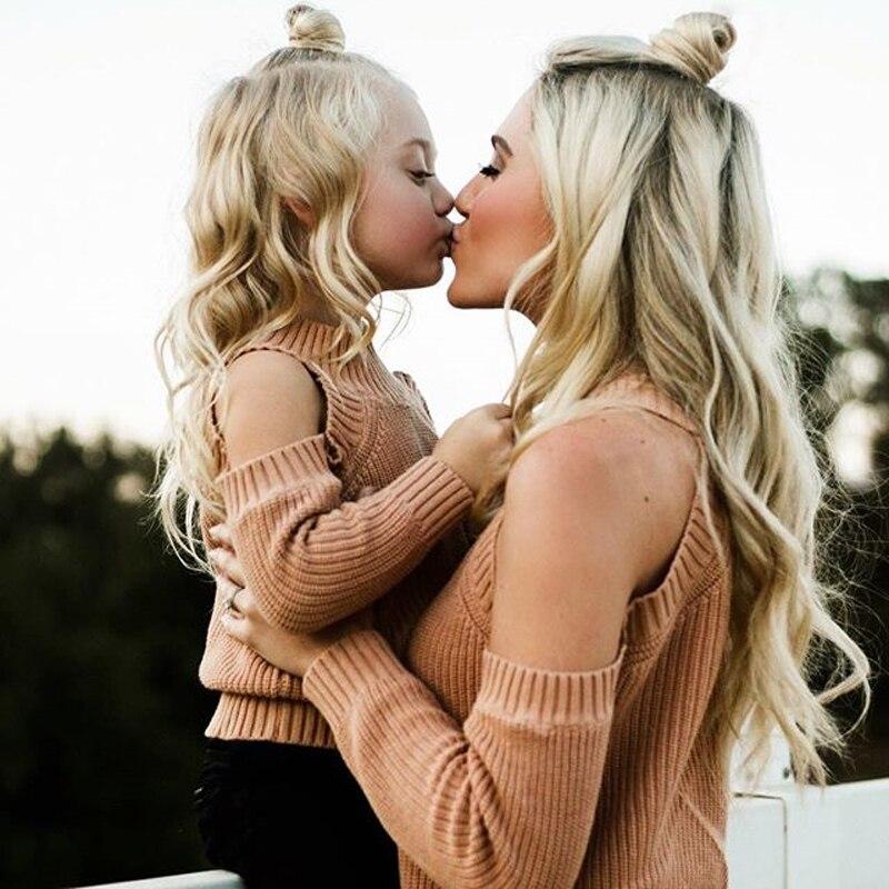 New2018 familia a juego madre e hija ropa trajes mamá hija vestido suéter fuera del hombro manga larga ropa de vestir