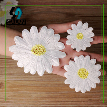 Water-soluble embroidery patch paste milk silk yellow dot flower cloth paste diy hand small daisy lace dress accessories
