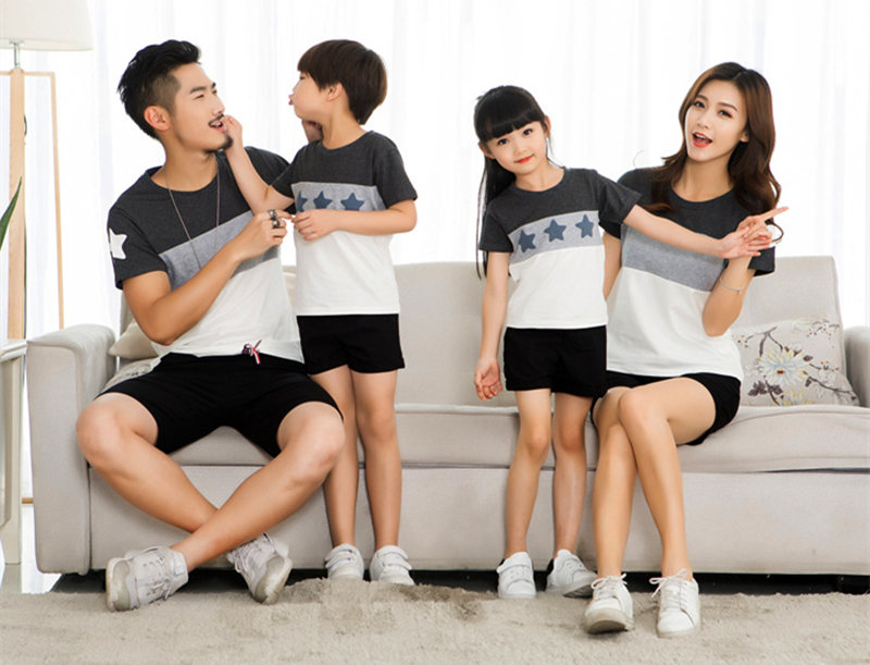 HTB1xNeZi2NNTKJjSspeq6ySwpXac - Family Look Summer style Short-sleeve Star T-shirt For Mother Daughter And Father Son Clothes Family Matching Clothes