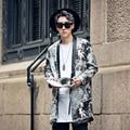 2017 novos homens jaqueta de couro PU padrão jornal longo grosso casaco de couro masculino rua hip hop moda casual kimono cardigan