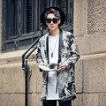 2017 nuevos hombres de la chaqueta de cuero de LA PU patrón periódico largo grueso abrigo de piel masculina calle hip hop de moda casual kimono cardigan