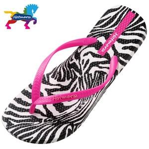 Image 2 - Hotmarzz Frauen Zebra Druck Flip Flops Strand Hausschuhe Sommer Sandalen Slides Slip Auf Flache Sandalen