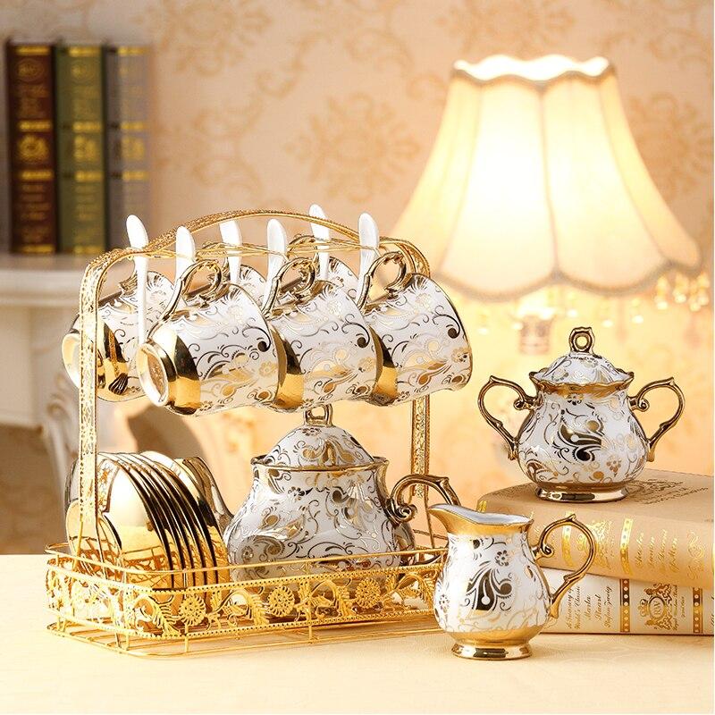 Европейские керамические чайные чашки и блюдца, набор китайских кофейных чашек цвета слоновой кости с золотыми костями, Набор чашек для сли...