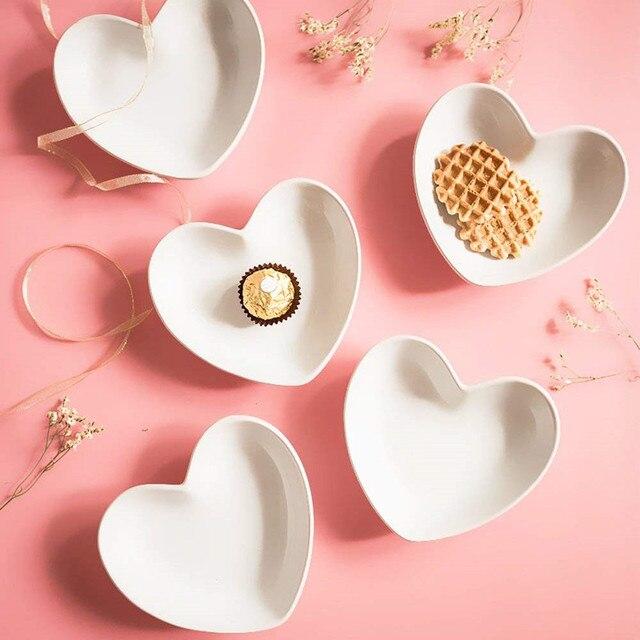 Petit plat dassaisonnement latéral porcelaine   Ensemble Super mignon coeur aigupe en céramique plat de Sauce Mini condiments amour petite soucoupe 4 pièces