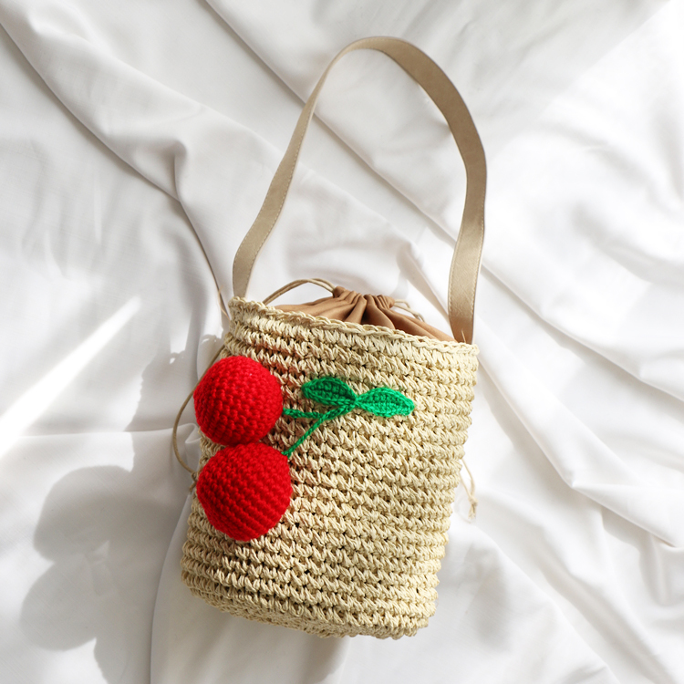 где купить Korea Cool Girl Straw Plaited Article Bucket Cherry Weave Single Shoulder Package Sandy Beach Package On Straw Plaited Article по лучшей цене