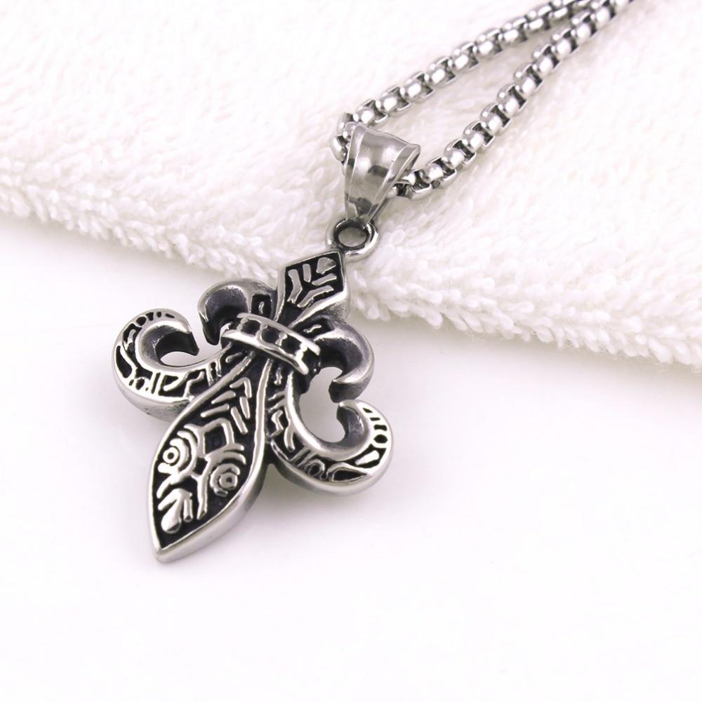 Special Pendant Necklace Iris Flower Shape Boy Scouts Sign Charm