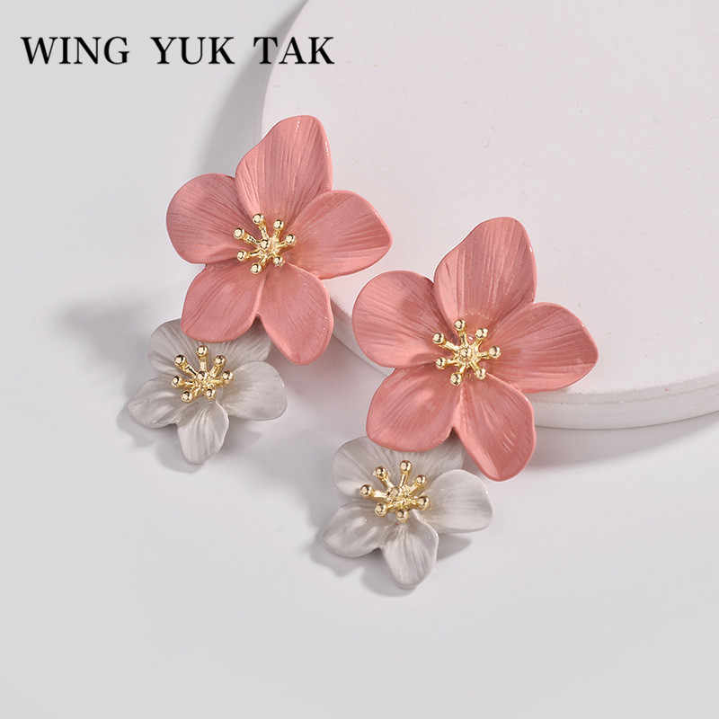 wing yuk tak 4 Color Trendy Pink Flowers Stud Earrings For Women Wedding Party Jewelry Boho Metal Earrings Female 2018