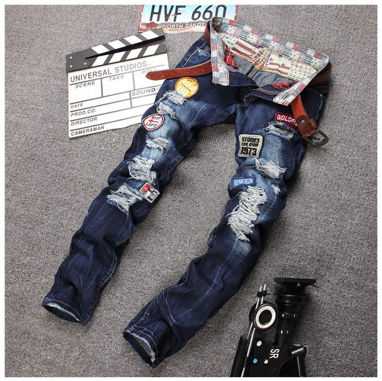 Personality Badge Patchwork Jeans Men Ripped Jeans Classic Rap Scratched Biker Jeans Hole Denim Straight Slim