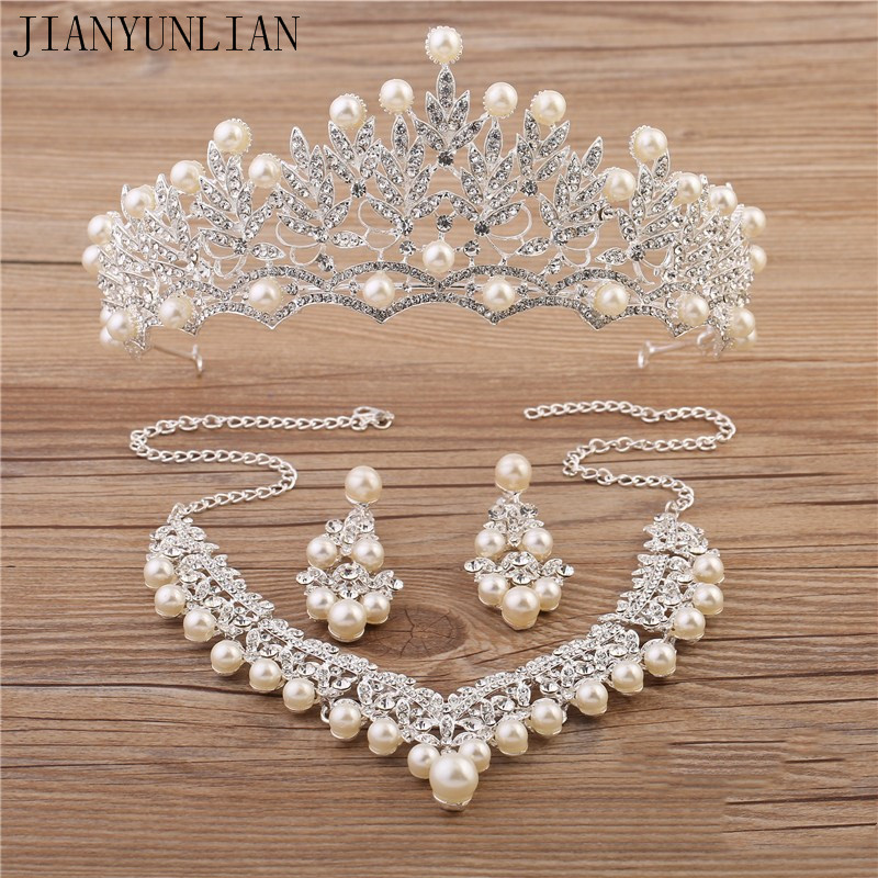 Sparkle Wedding Accessories Sets Silver Plated African Beads Cheap Crown Bling Bridal Accessories Online 2018 Cappelli Da Sposa