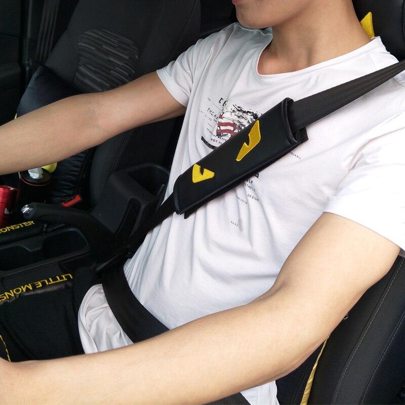 54b3fd49cd8 Achat 2 pcs Monstre Noir Broderie De Voiture Ceinture De Sécurité  Épaulières Housses Coussin Harnais pour BMW pour Toyota Pilote Intérieur  Accessoires Pas ...