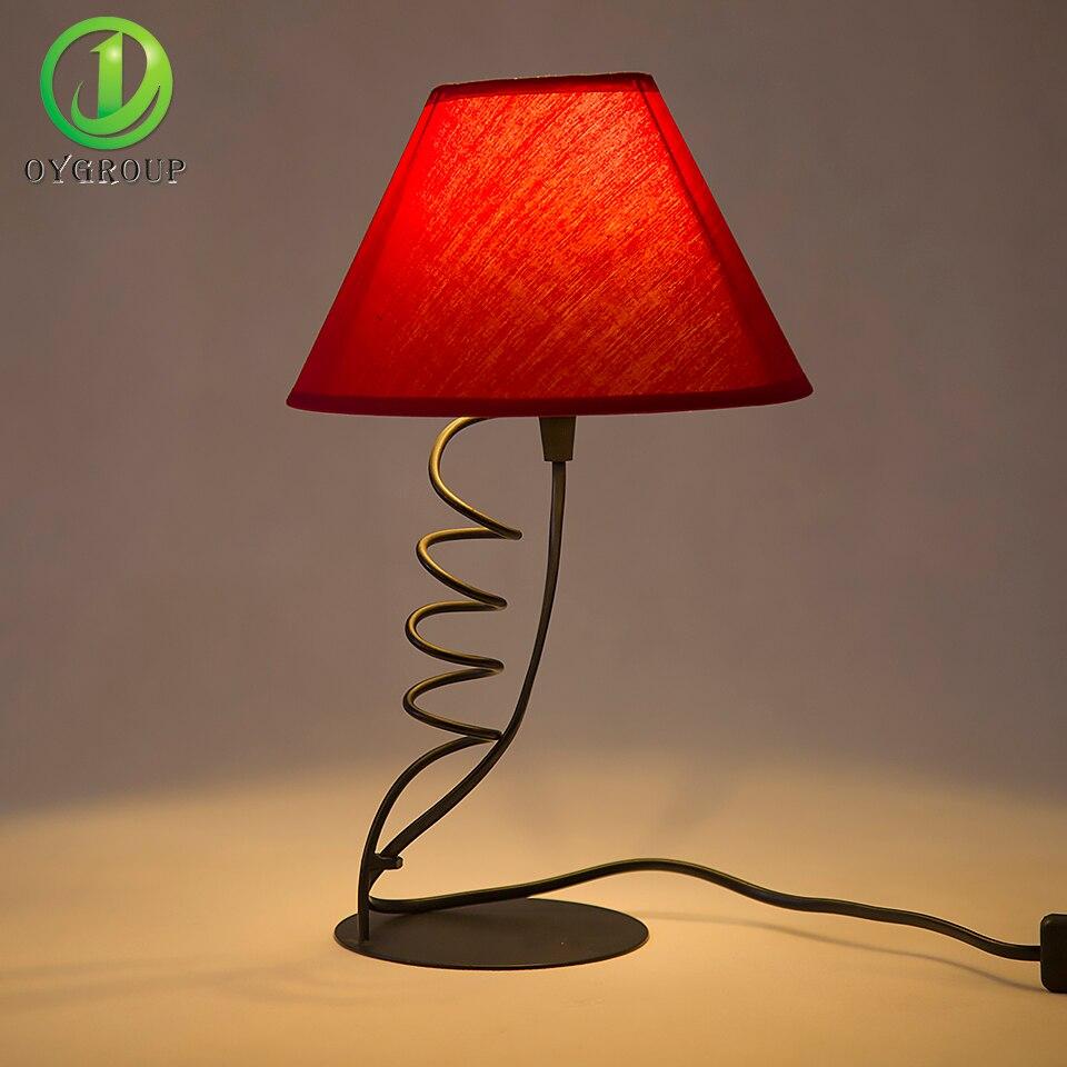 creativa Rojo de LED Helicoidal Lámpara Decoración Mesa XZukiwOTP