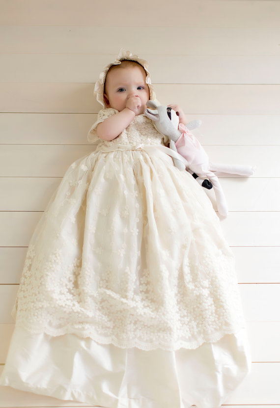 New 2016 Enchanting Baby Christening Dress Baptism Gown Baby Girl Flower Lace White/Ivory First Communion Dresses WITH BONNET white christening dress baby girl christening gowns vintage long lace gown baby christenin baptism girl princess dresses