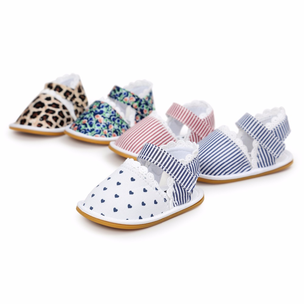 2019 Nye trykte hårde moccasiner Cute Fabric Baby moccasiner barn Summer girls sandaler Sneakers First walkers Spædbørn