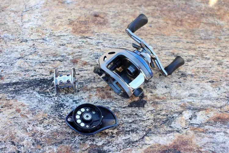 Bait Casting Reel High Speed 6.31 Saltwater Fishing Reel Light Weight LeftRight BlackBlue Aluminium Alloy Jigging Reel  (7)
