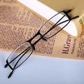 Chashma Mulheres e Homens Ultra Acha Que a Luz do Leitor para Os Olhos De Óculos De Metal Óculos de Leitura 1.5