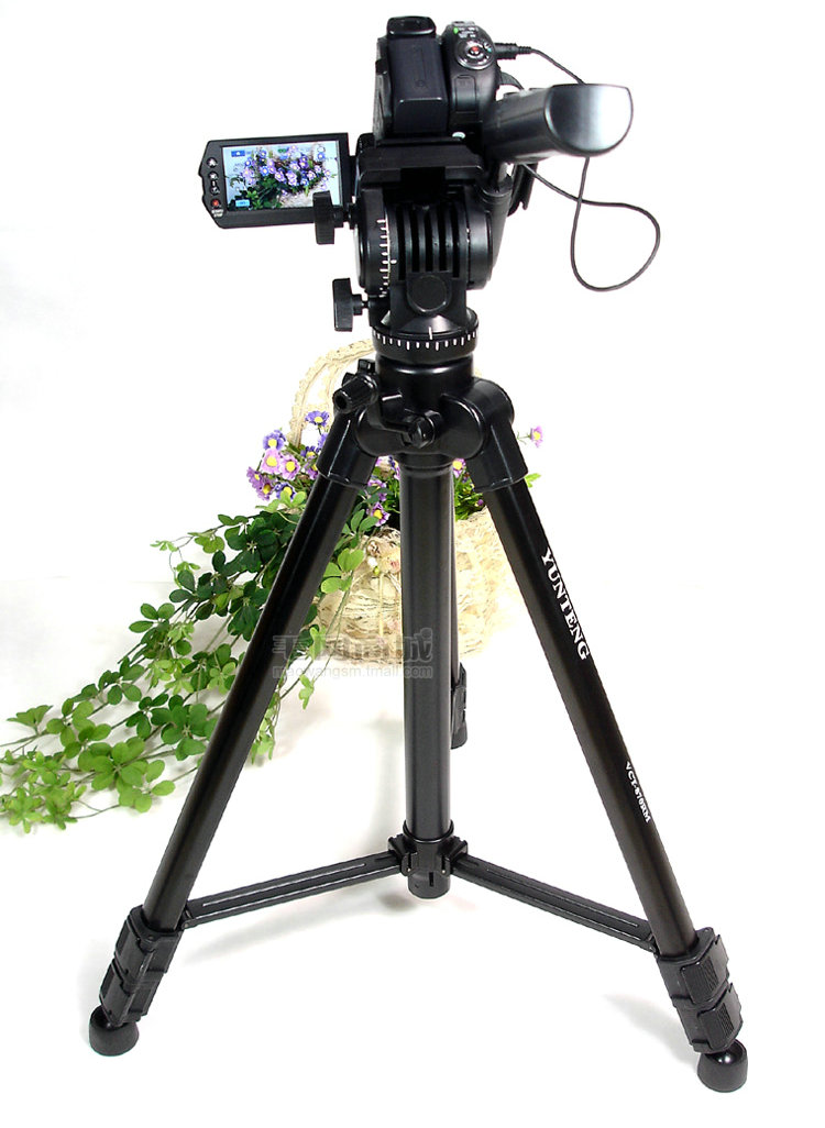 NEW Professional YUNTENG 870 Camera Tripod Portable For Camera Photograph Nikon Sony Canon Samsung Russia Brazil