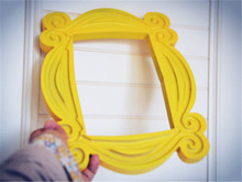 Telewizor z dostępem do kanałów serii przyjaciółmi rama z drewna ręcznie wykonana z żółtego Mon ramy drzwi domu wizjer obraz zdjęcie zdjęcie wystrój kolekcja Cosplay prezent