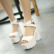 2017 Summer Fashion Sexy Girl Black Hollow Out Buckle Platform Thick High Heels Women Sandals Peep Toe Woman Wedding Shoes