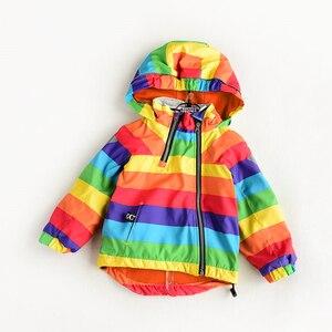 Image 1 - Куртка для мальчиков и девочек KISBINI, утепленная флисовая ветровка в радужную полоску, с капюшоном, на осень и зиму, для девочек, в наличии размеры от 2 до 8 лет