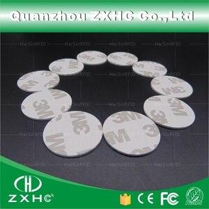 Image 2 - (100 pcs) 25 millimetri 13.56 Mhz RFID Carte IC 3 M Sticker Coin Card FM1108 Circuito Integrato Compatibile S50 Per Il Controllo di Accesso