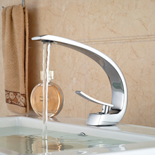 2016 New Bathroom Sink Basin Faucet Deck Mount Bright Chrome Washing Basin Mixer Water taps
