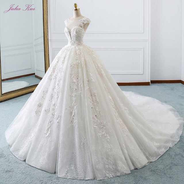Julia Kui Real Photos Vintage Sleeveless Lace Up Ball Gown Wedding Dress Scoop Beading Appliques Lace Princess Bridal Gowns