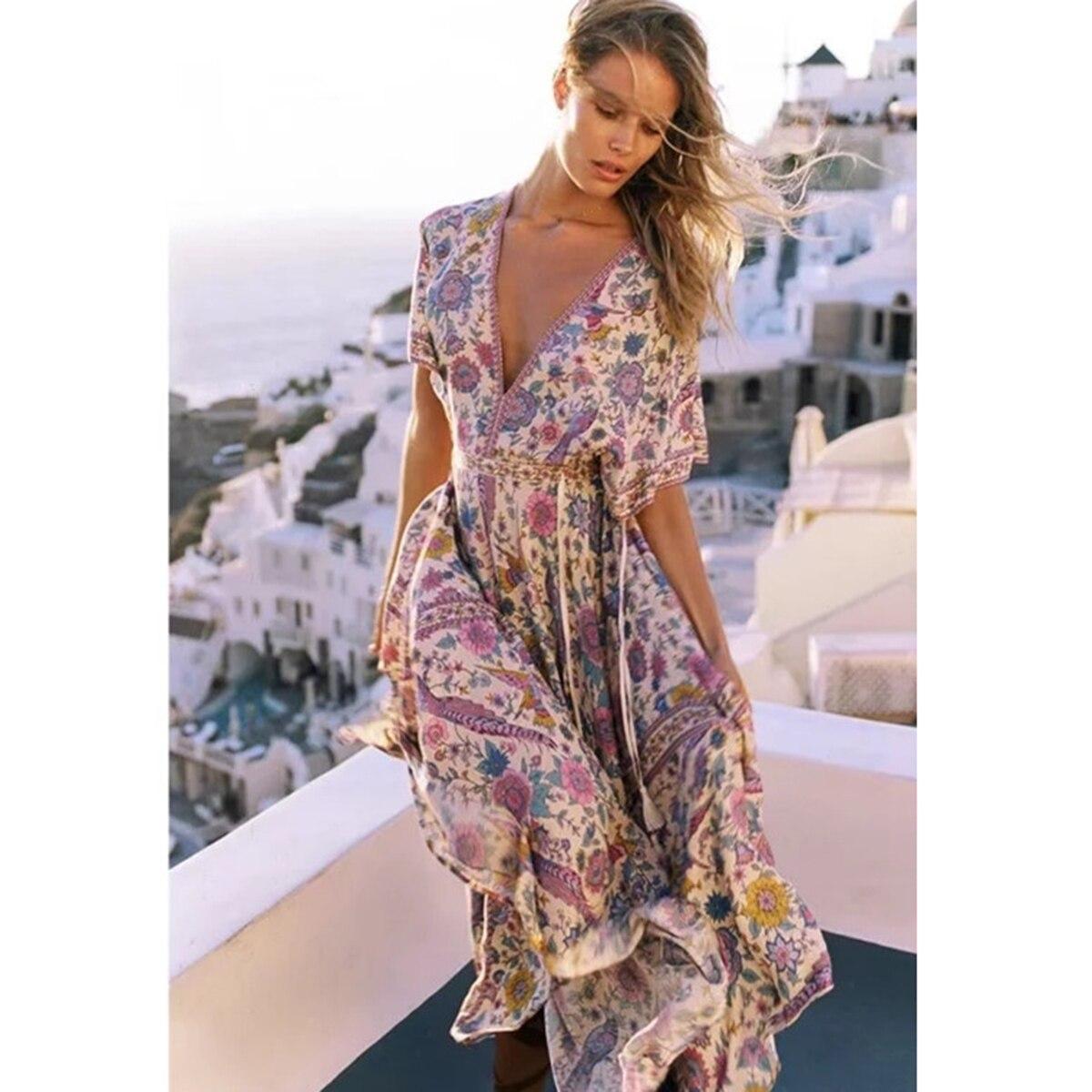 380e5803828 Lovebird rétro Boho Maxi robe femmes 2019 été à manches courtes col rond  Chic Sexy robe gros ourlet imprimé Floral plage Hippie longue robe