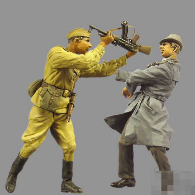 1/35 Soviet soldier and rebel, Resin Model Soldier, GK, World War II military theme, Unassembled and unpainted kit