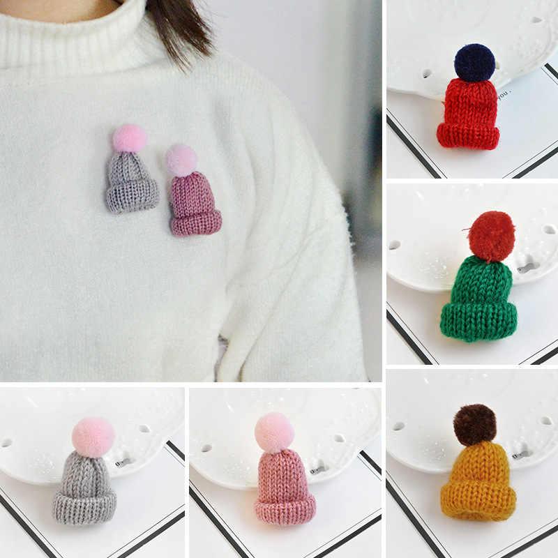 Linda Bola de lana tejida broche para gorra Pins suéter insignia ropa sombreros Unisex Pin broches para mujer creativo regalo de Navidad