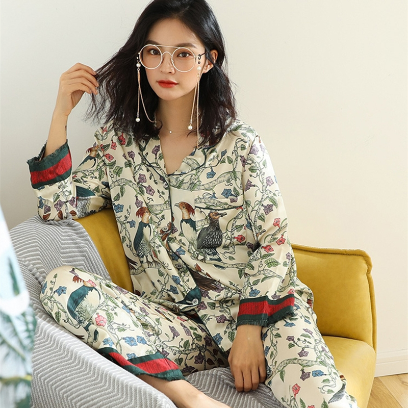 Casual Satin Pajamas Fashion Lady Long-sleeved Sleepwear Suit Flower Bird Pattern Woman Pajamas Can Be Worn Outside Pajama Set