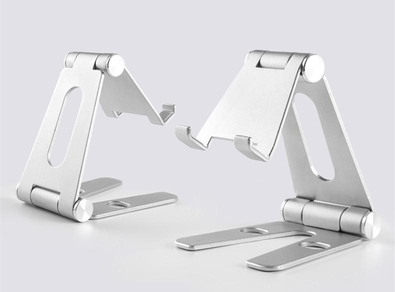 rotatable metal holder (10)
