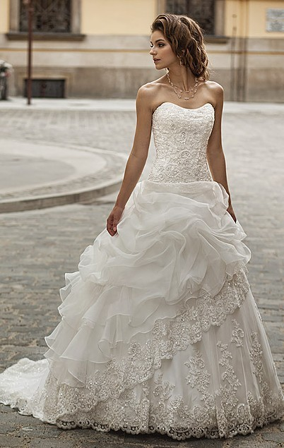 New Arrival Ball Wedding Bridal Gowns Classic Beaded Bodice Organza Cover Lace Sleeveless Mother Of The Bride Dresses